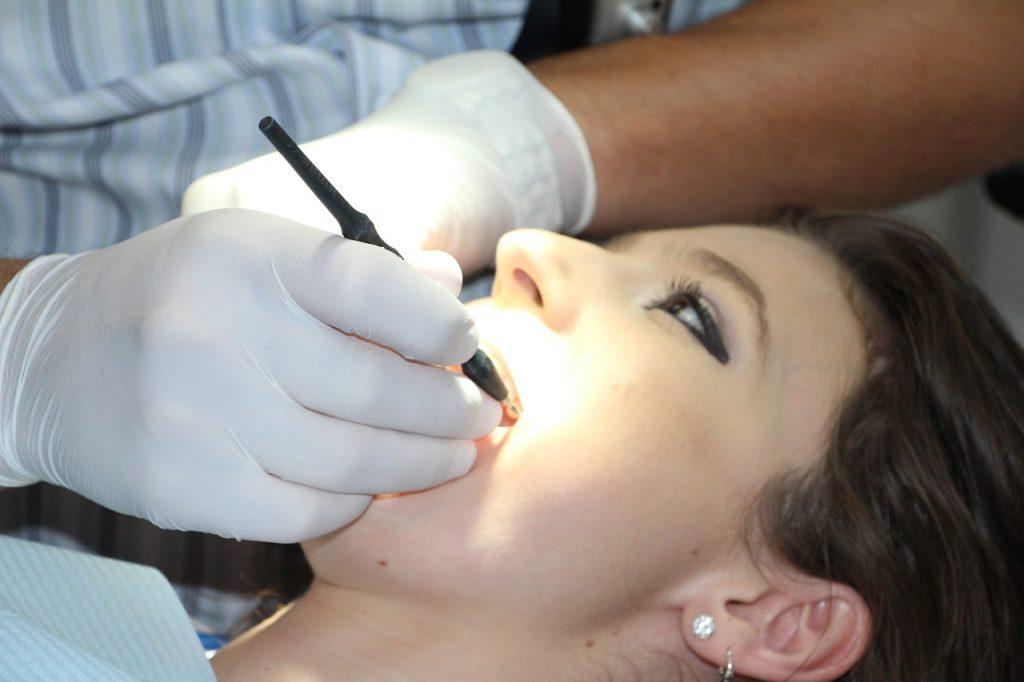 בדיקת שיניים