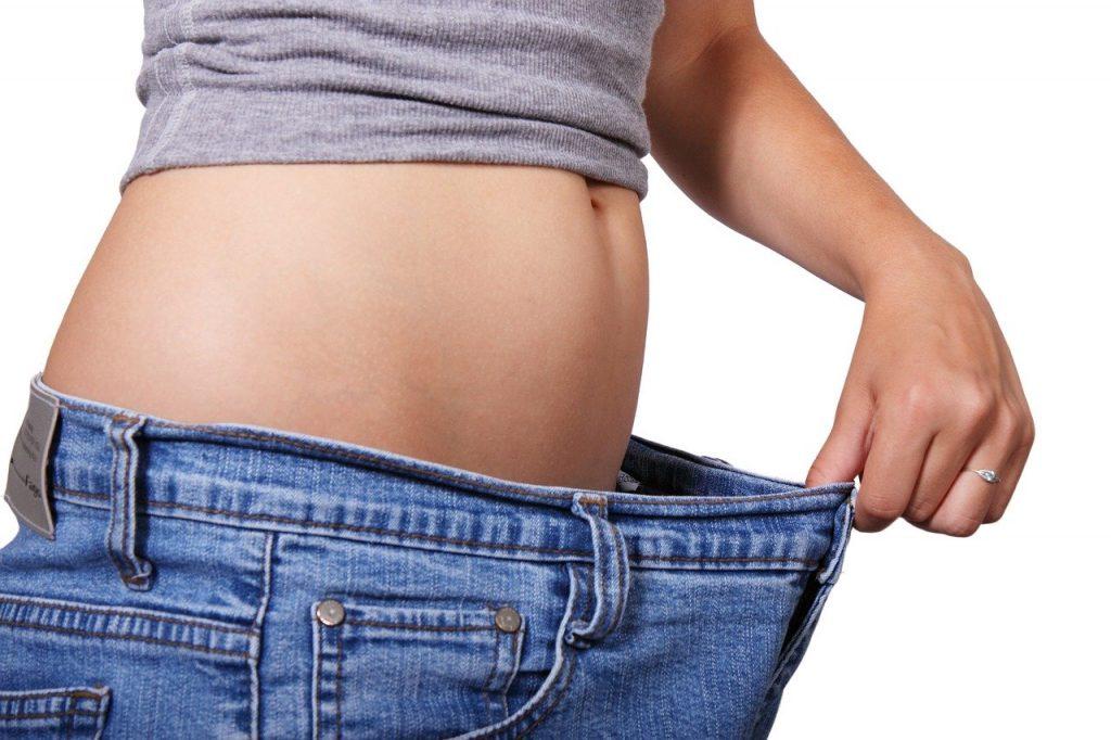 אישה אחרי דיאטה