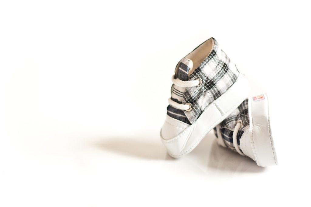 נעל על נעל